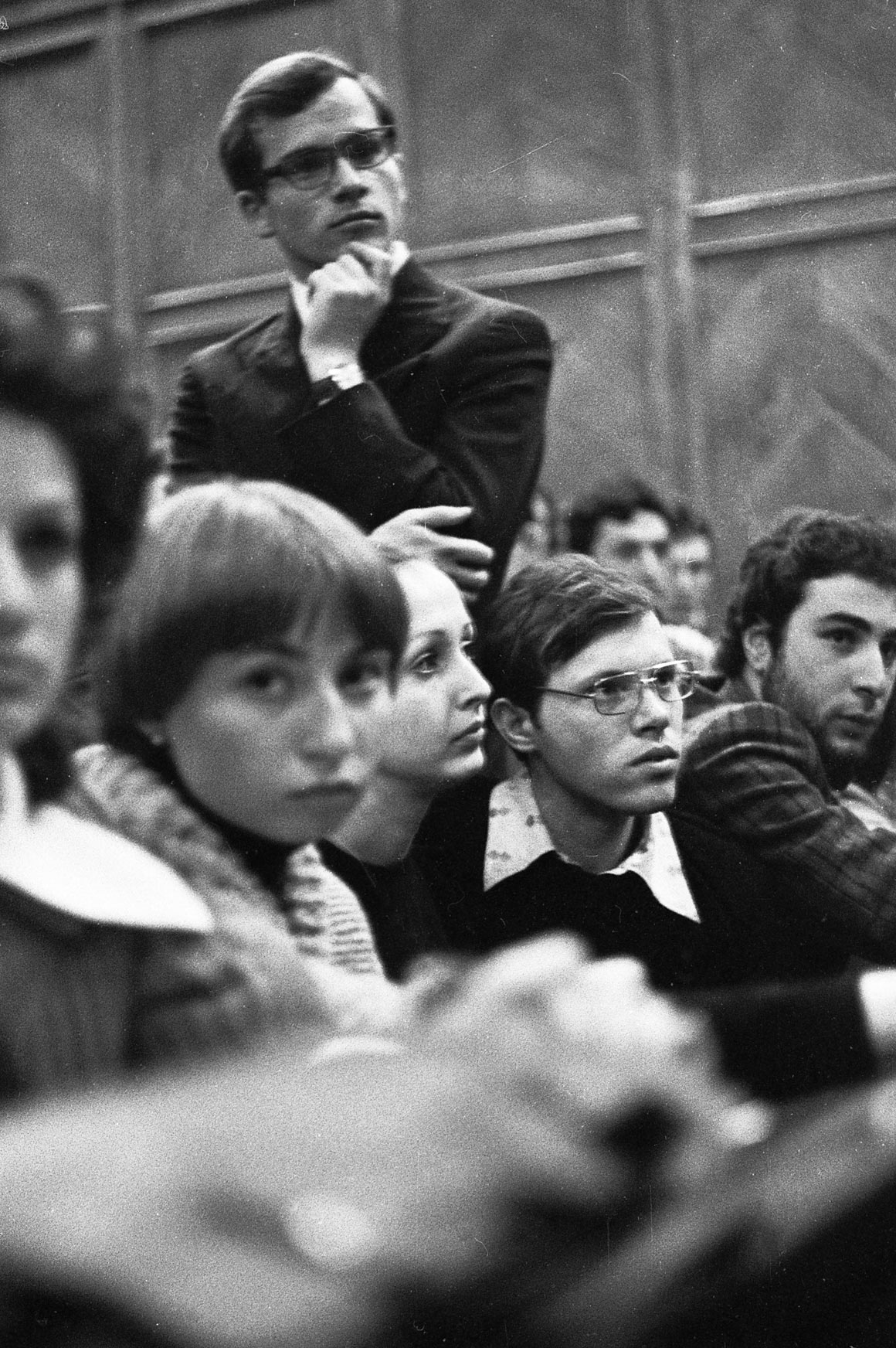 1976 год, Киев. Концерт авторской песни вмедицинском институте, тогда барды были очень популярны