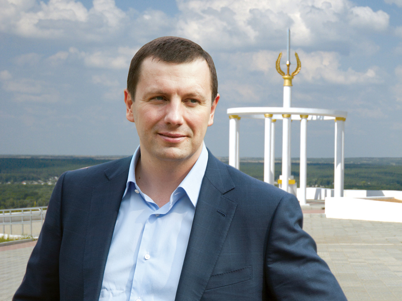 Луценко просит снять неприкосновенность с депутата Дунаева