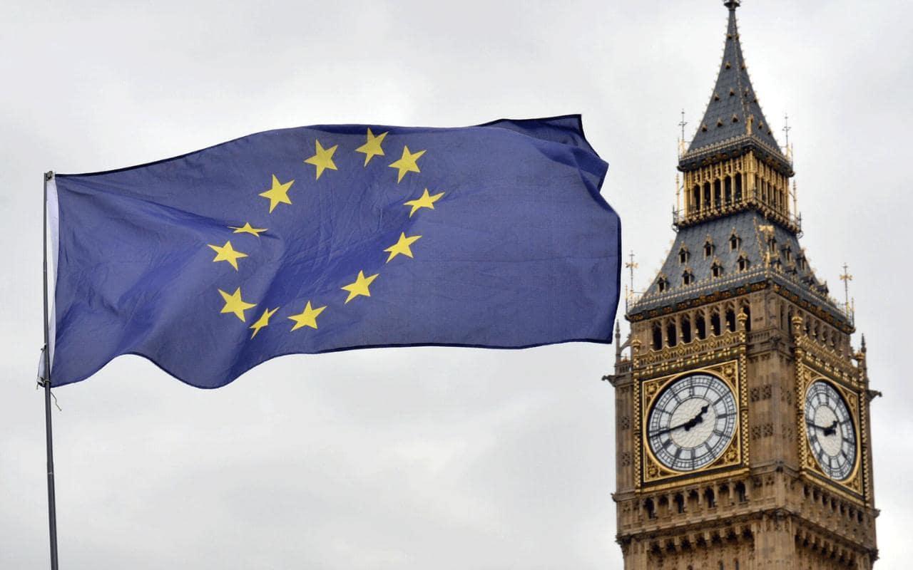Великобритания теряет 6,6 млрд фунтов в квартал после референдума, - исс...