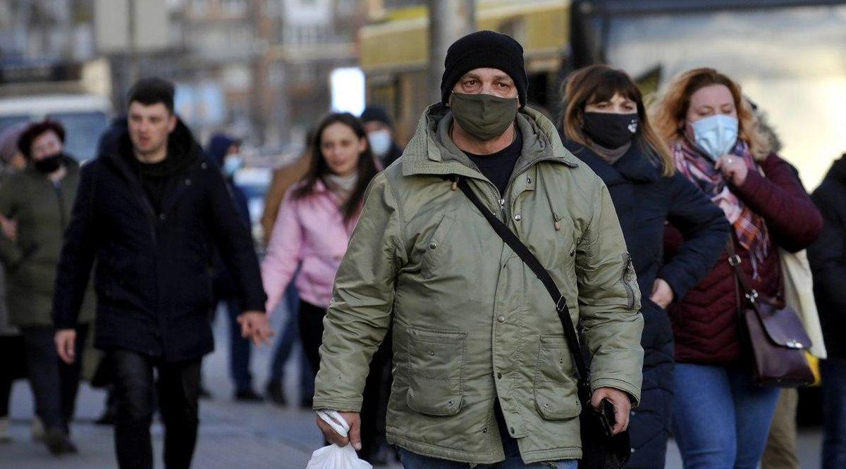 """""""Красная"""" зона: еще три области Украины на грани остановки транспорта и закрытия кафе"""