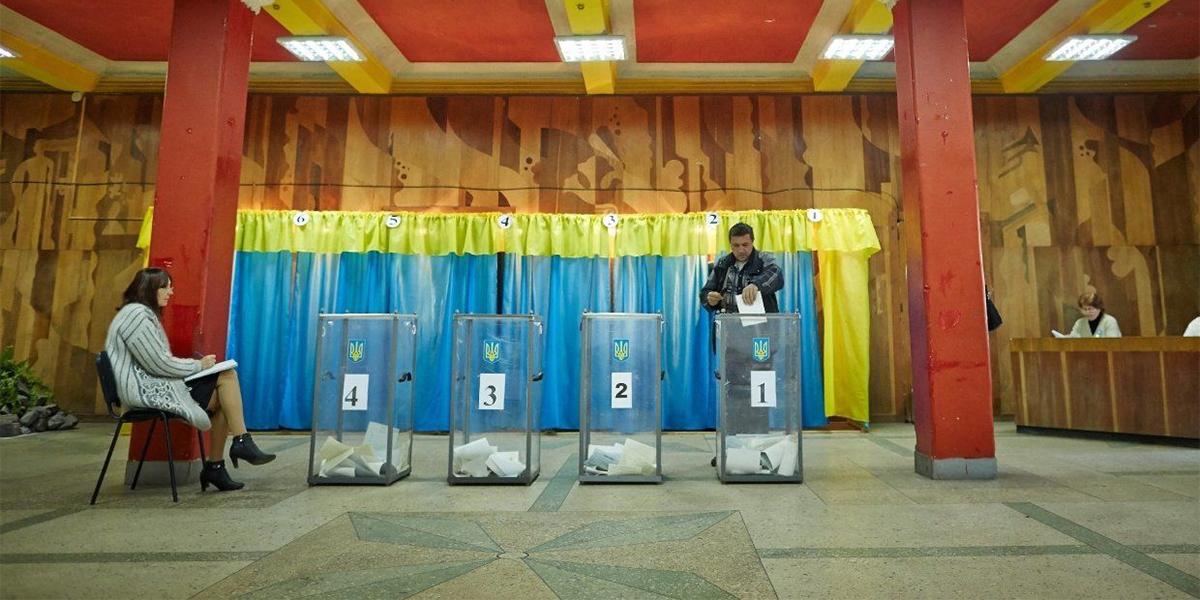 """Окружкомы – это """"Сталинград""""! Как кандидаты в президенты борются за голо..."""