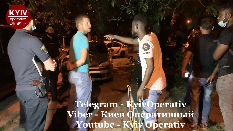 В Киеве напали на иностранцев из-за их цвета кожи