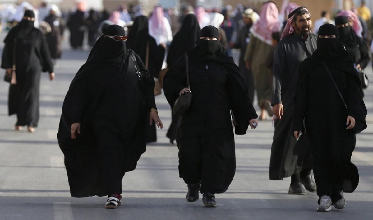"""В Саудовской Аравии решили прекратить практику """"тайных разводов"""": женщин..."""
