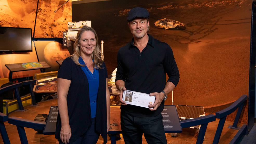 Брэд Питт отправит свое имя на Марс