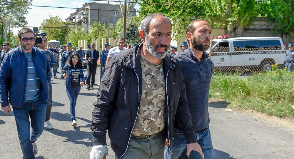 В Армении лидера оппозиции Пашиняна выдвинули на пост премьер-министра