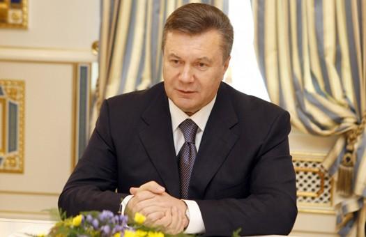 Янукович: кредитом МВФ дыры в бюджете затыкать не будут