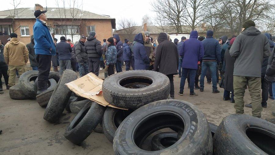 Протесты в Новых Санжарах: полиция отпустила 23 задержанных