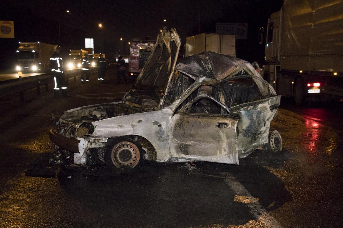 Жуткое ДТП под Киевом: женщина сгорела заживо в машине