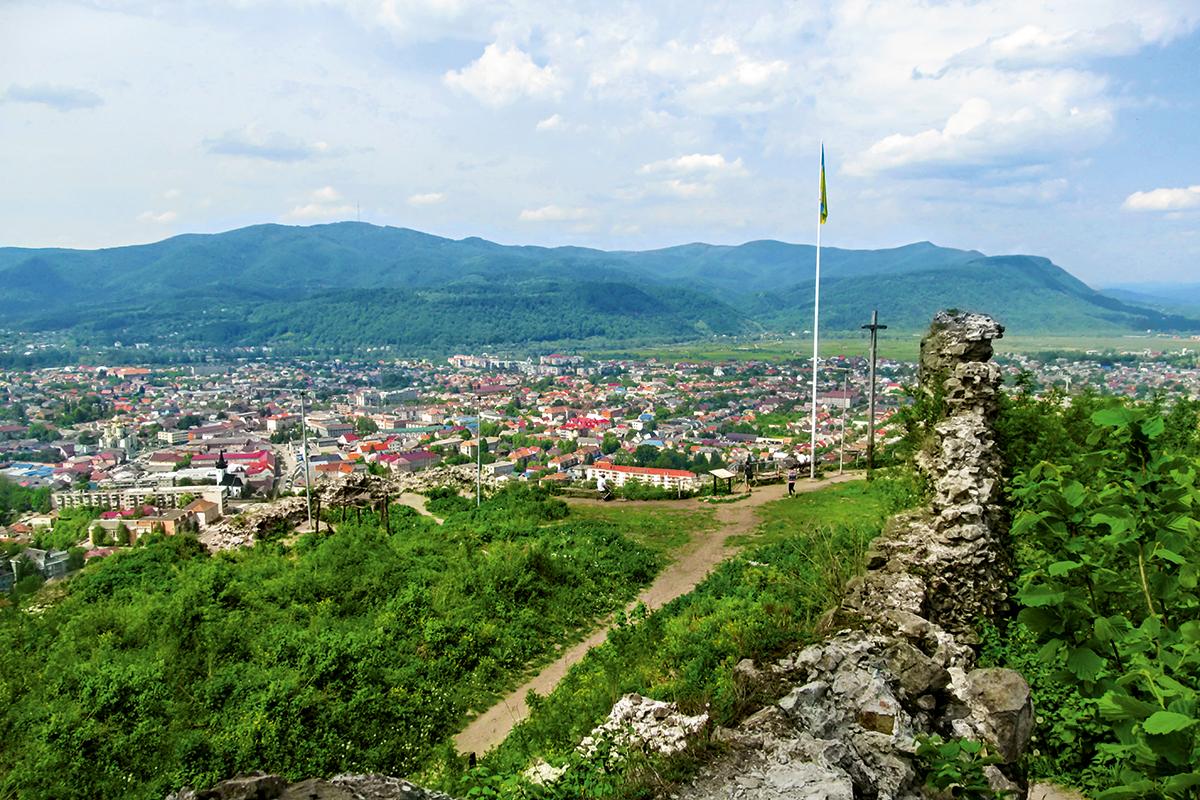 На пересечении империй. Чем заняться туристу в столице Карпатской Украин...