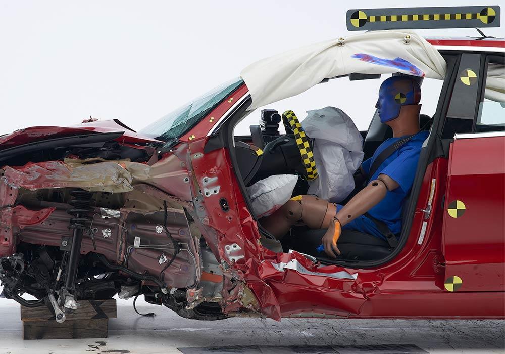 Tesla Model 3 получила высшую награду за безопасность