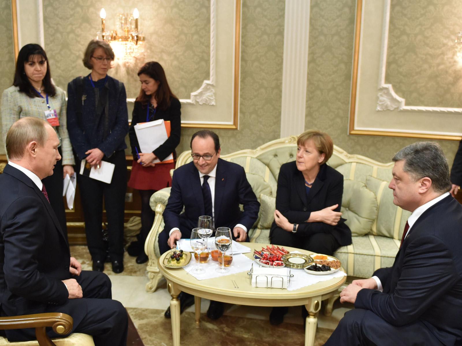 """""""Нормандская четверка"""" заявила о соблюдении режима прекращения огня"""