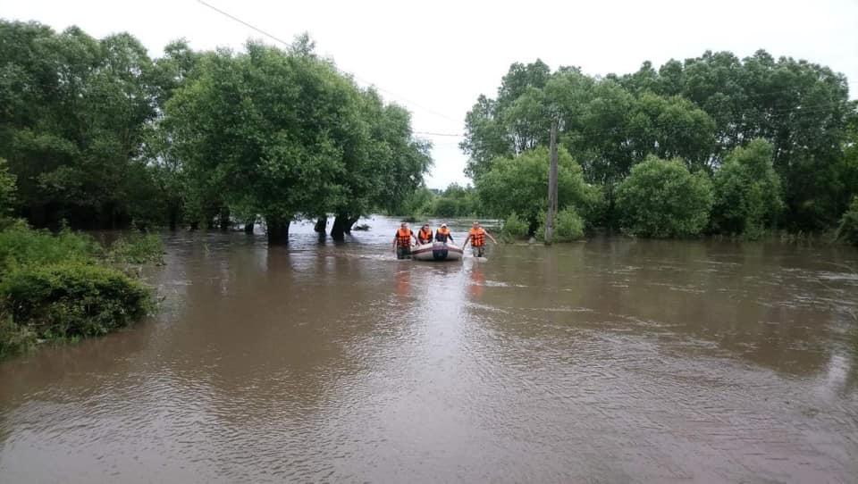 Прокуратура считает, что потоп на западе Украины произошел из-за вырубки...