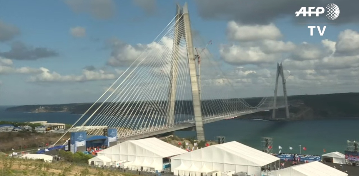 В Стамбуле открыли третий мост через Босфор