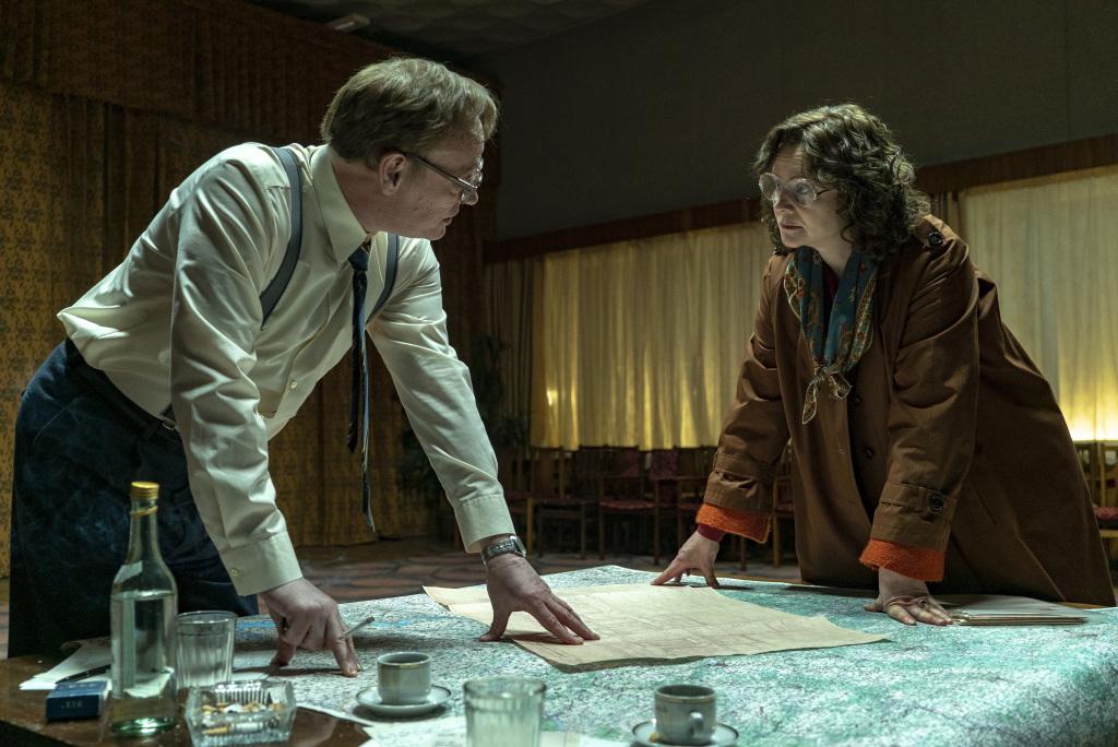 """Актер, сыгравший Легасова в """"Чернобыле"""", рассказал о реакции британцев н..."""