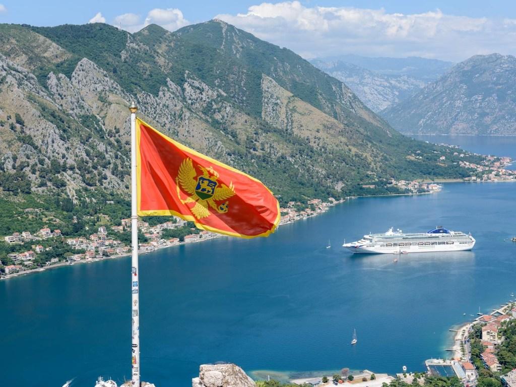 Черногория повторно вводит карантин из-за коронавируса