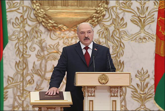 По заветам Путина. Лукашенко хочет поменять Конституцию Беларуси