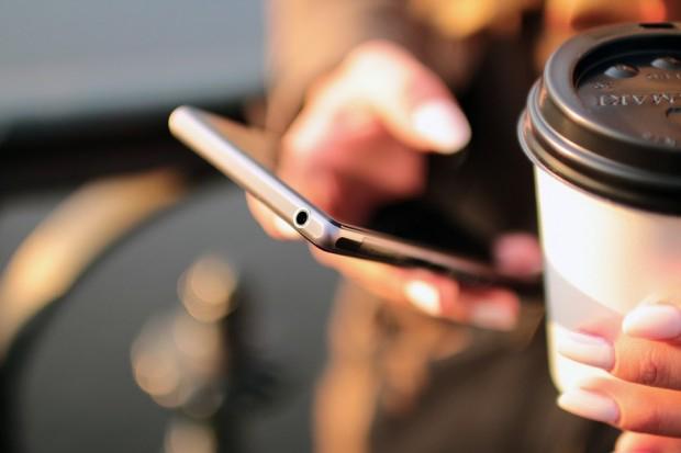 Стало известно, когда можно будет поменять мобильного оператора без смен...