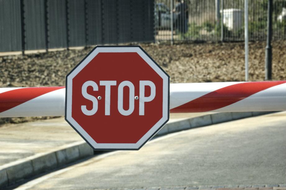 Еврокомиссия требует прекратить погранконтроль внутри ЕС