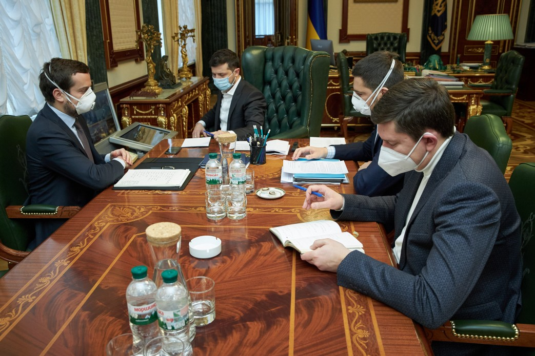 Зеленский предложил временно отправить врачей в Италию