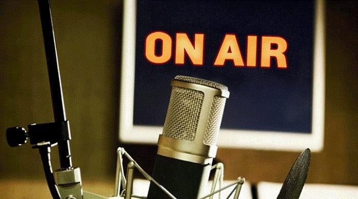 В Крыму частоты украинских радиостанций глушат российским радио, – право...
