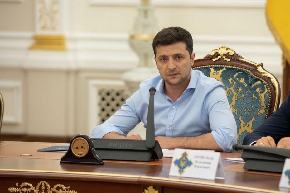 """Зеленский спрогнозировал """"ощутимый и устойчивый"""" рост экономики"""