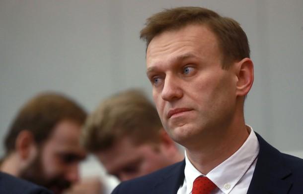 Навальный впал в кому и находится в тяжелом состоянии