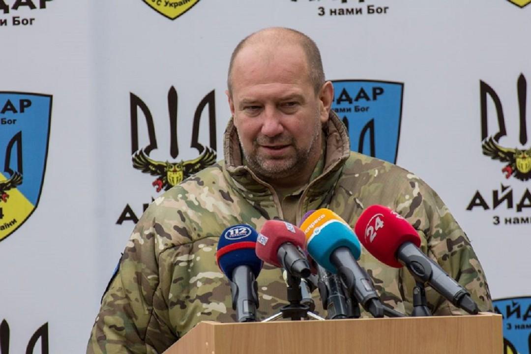 """К задержанному на греческой границе экс-командиру """"Айдара"""" прибыл консул..."""