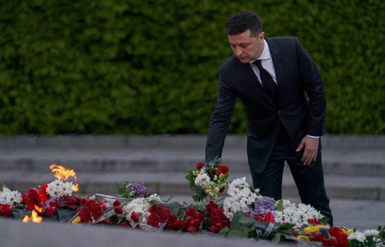 Зеленского не приглашали на парад Победы в Москву, – Песков