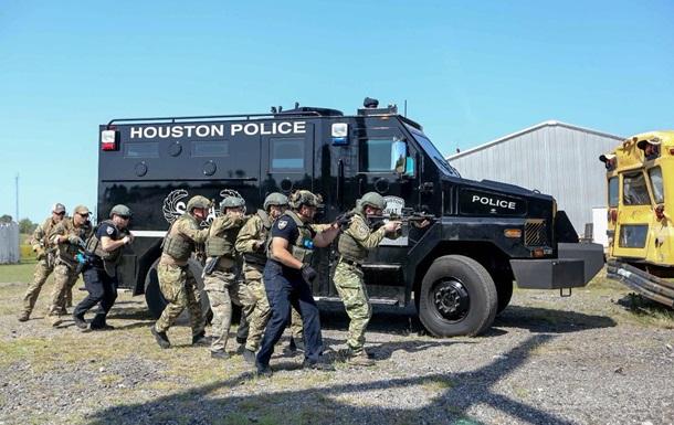 В Хьюстоне прошел совместный тренинг американского и украинского спецназ...