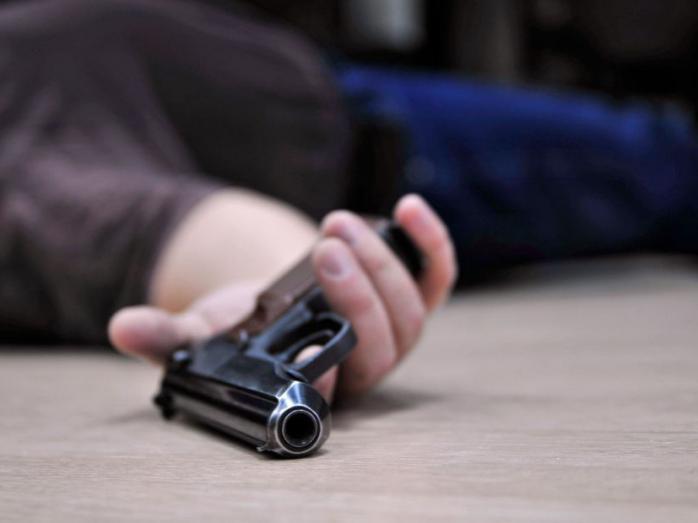 В аэропорту Днепра покончил жизнь самоубийством полицейский