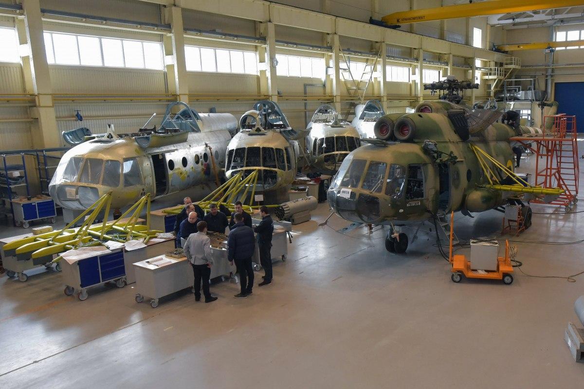 """Болтон предупредил Украину об """"опасности"""" китайских инвестиций"""