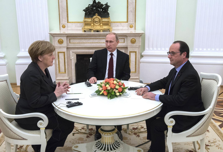Меркель и Олланд обсудят с Путиным вопрос освобождения украинских заложн...