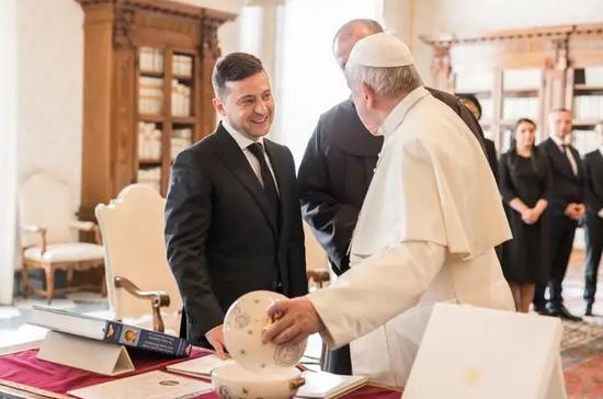 Папа Римский занимается освобождением Виталия Маркива, – Зеленский