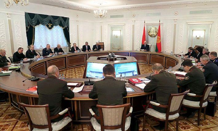 Лукашенко пообещал разобраться с оппозицией на заводах