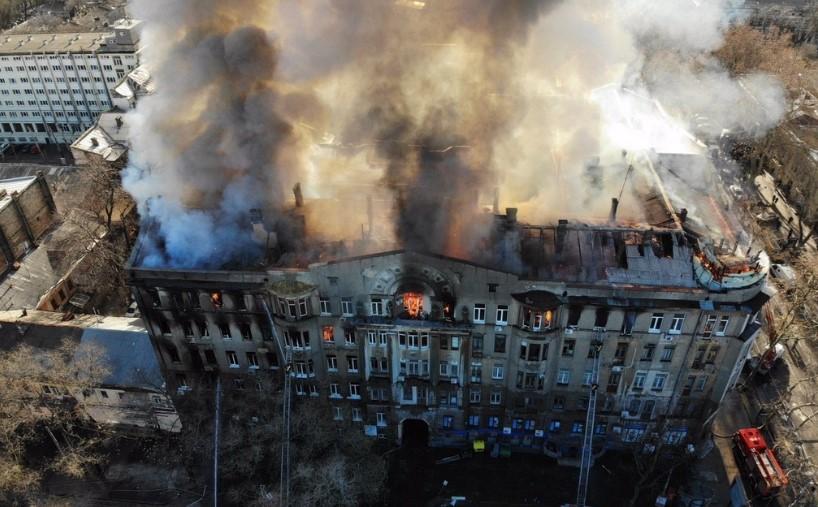 Полиция сообщила о подозрении директору сгоревшего в Одессе колледжа