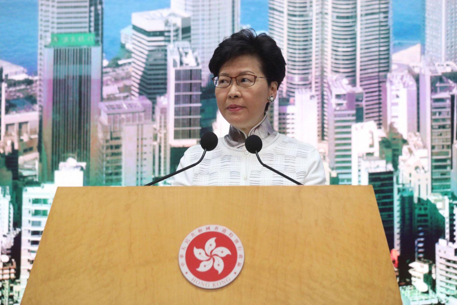 Глава Гонконга отзывает законопроект, спровоцировавший 14 недель протест...