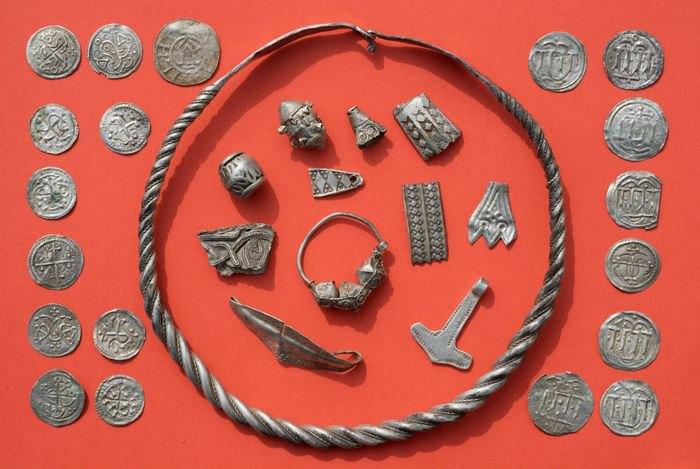 Археологи-аматоры нашли клад датского средневекового короля