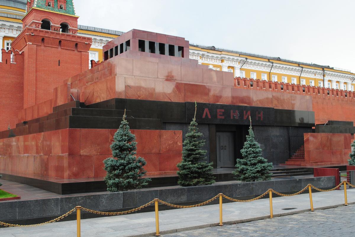 В Москве мавзолей Ленина закрыли на 2 месяца