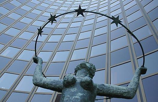 Кандидаты в президенты замяли тему евроинтеграции, - EUObserver