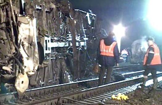 В России сошел с рельс пассажирский поезд Невский экспресс
