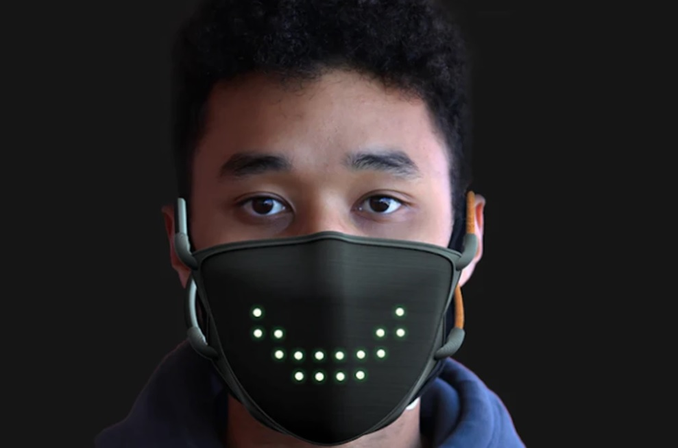 Коронавирусная улыбка. LED-маска для лица может отображать эмоции и аним...
