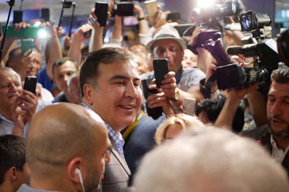 Саакашвили не пойдет на парламентские выборы