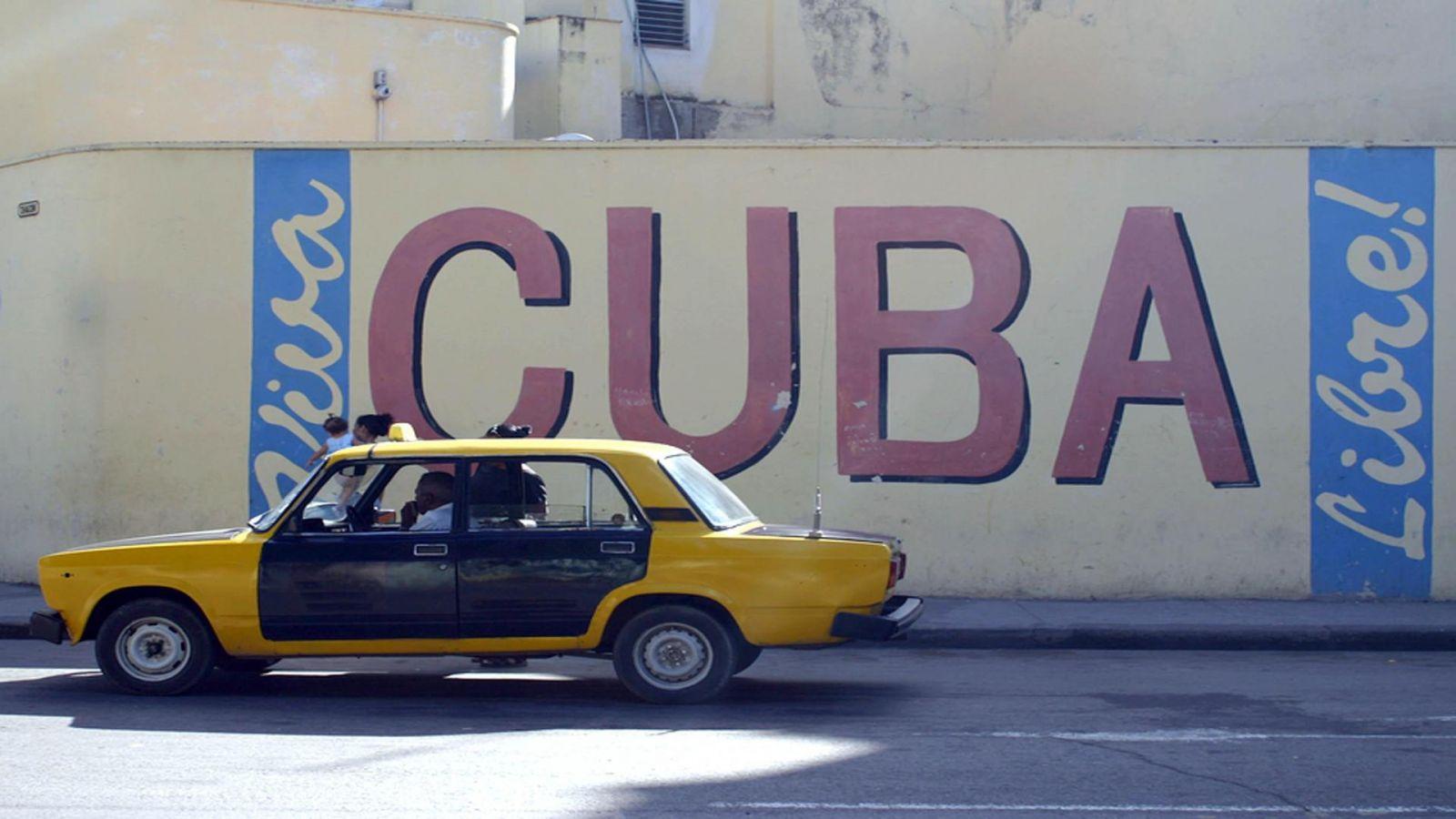 """Куба открывается для туристов: власти страны заявили, что сдержали """"втор..."""
