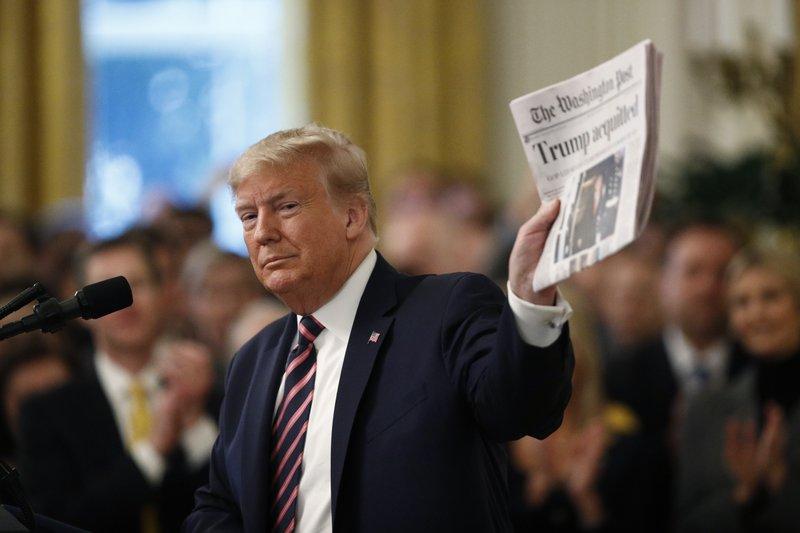 Эхо импичмента: Трамп хочет запретить прослушку своих международных звон...