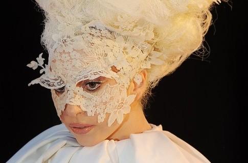 Леди Гага будет петь в космосе