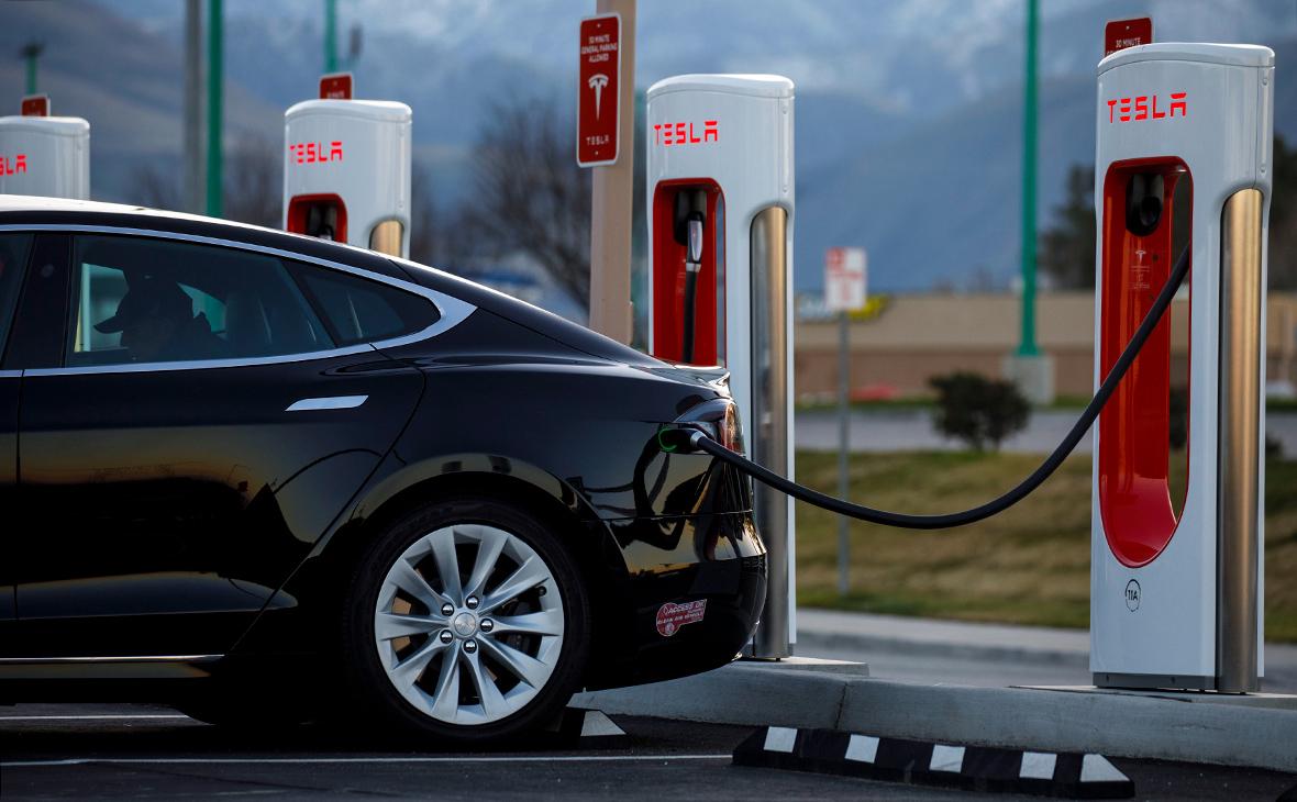 Tesla представила систему 15-минутной подзарядки электрокаров