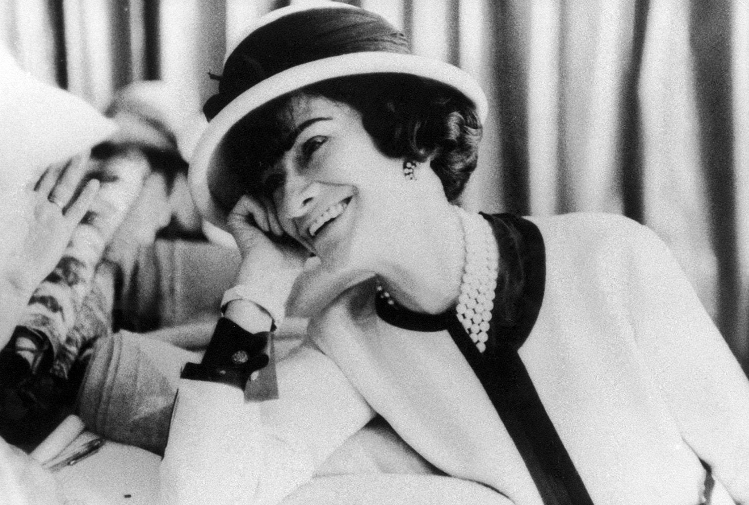 136 лет со дня рождения Коко Шанель: 16 штрихов к портрету легендарной кутюрье