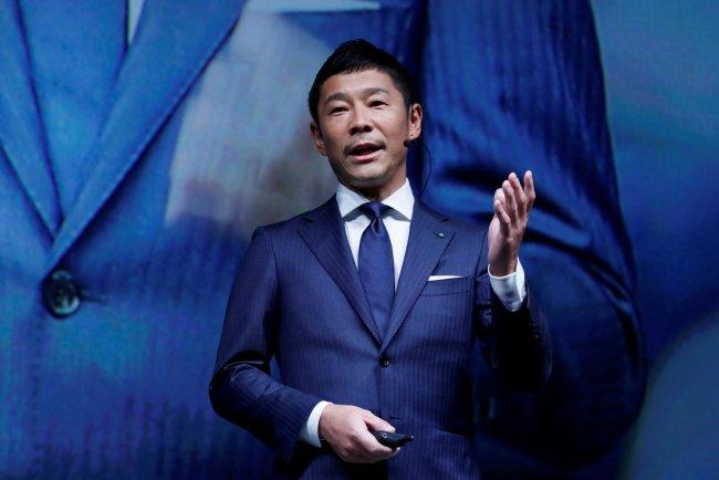 Буду улетать холостым. Японский миллиардер перестал искать спутницу для...