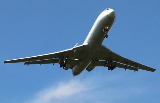 Запрет на провоз жидкостей в самолетах продлится до 2013 года
