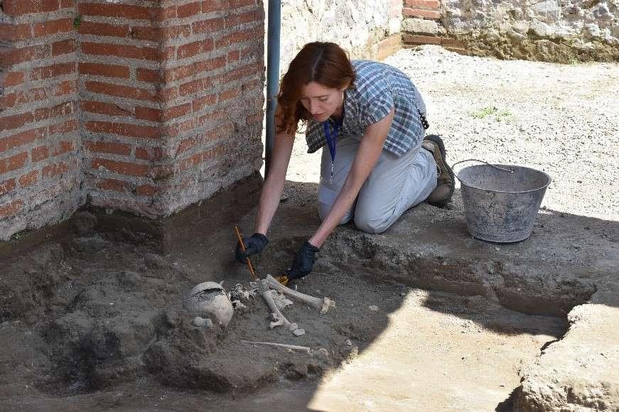 Древняя трагедия: в Помпеях во время раскопок нашли останки ребенка, пог...